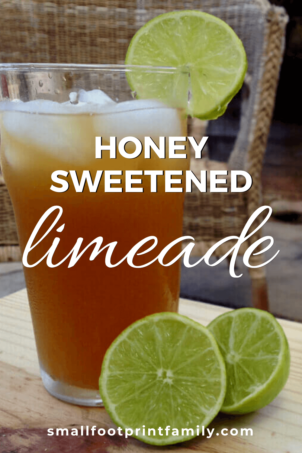 This refreshing honey limeade recipe is the perfect, crisp and delicious beverage to beat the end of summer heat. You can also sweeten it with stevia!#paleo #paleodiet #glutenfree #dairyfree #vegan #vegetarian #rawvegan #recipe #beverage #realfood