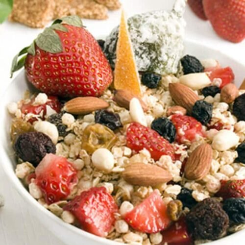raw breakfast cereal with nuts
