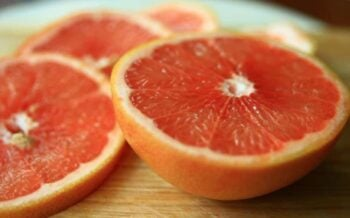 Pamplemousse is French for grapefruit. Click to get four special grapefruit recipes to enjoy the brightness of this delicious fruit this winter.